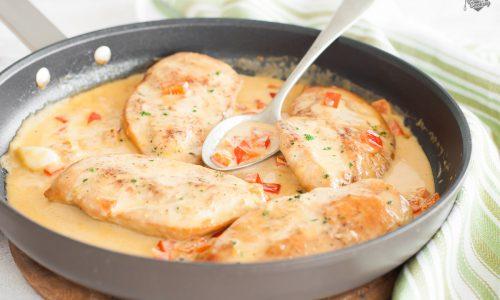 Petto di pollo alla paprika e peperoni