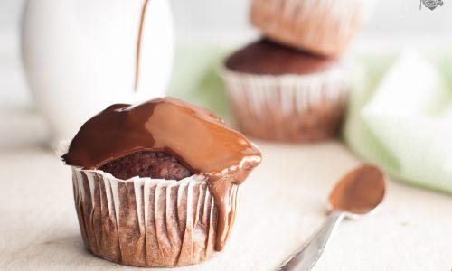 Muffin soffici al cioccolato e barbabietola