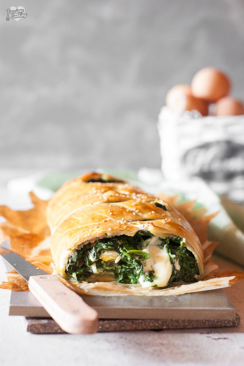 Strudel di spinaci e uova - filante e gustoso