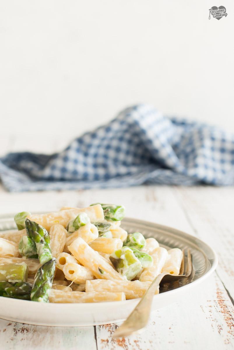 Pasta asparagi e ricotta profumata al lime