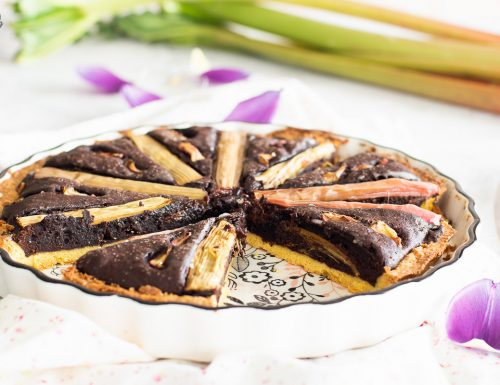 Crostata brownie al rabarbaro – friabile e golosa