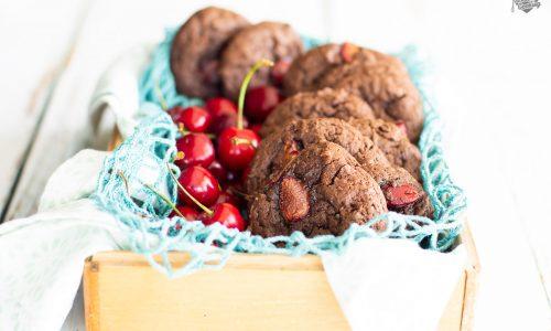 Biscotti con mascarpone e ciliegie