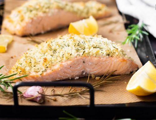 Salmone gratinato alle erbette – ricetta veloce