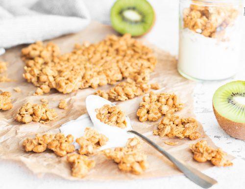 Granola senza zucchero con burro di arachidi