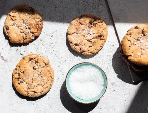 Biscotti al cioccolato con fiocchi di sale