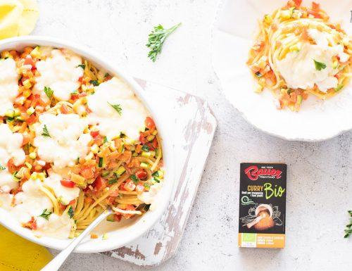 Spaghetti al curry con verdure e mozzarella