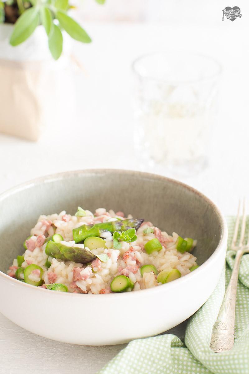 Risotto con salsiccia e asparagi