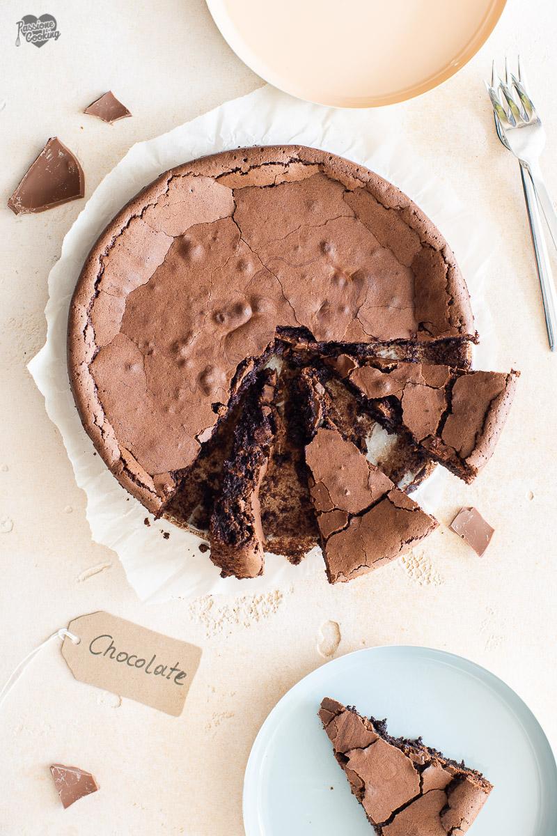 Torta tenerina con cioccolato al latte senza farina