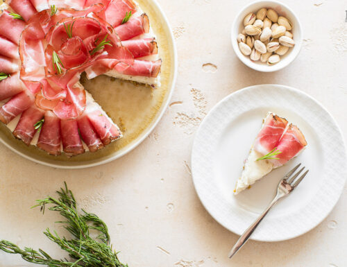 Cheesecake con Speck Alto Adige IGP e Schüttelbrot