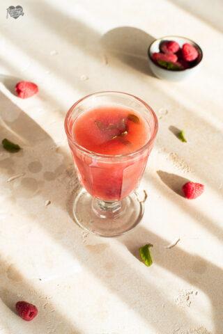 Cocktail di lamponi, miele e grappa Alto Adige