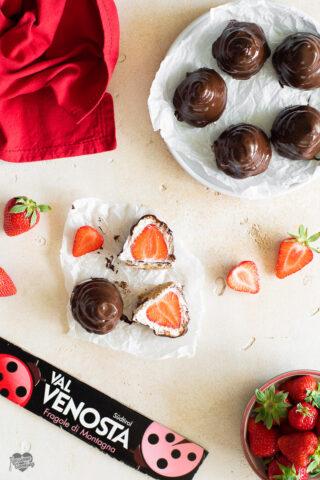 Moretti con le fragole e cioccolato fondente