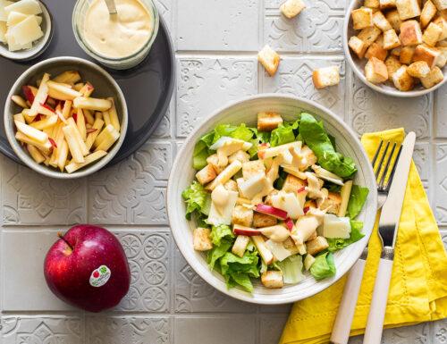 Caesar salad con mele Gala della Val Venosta