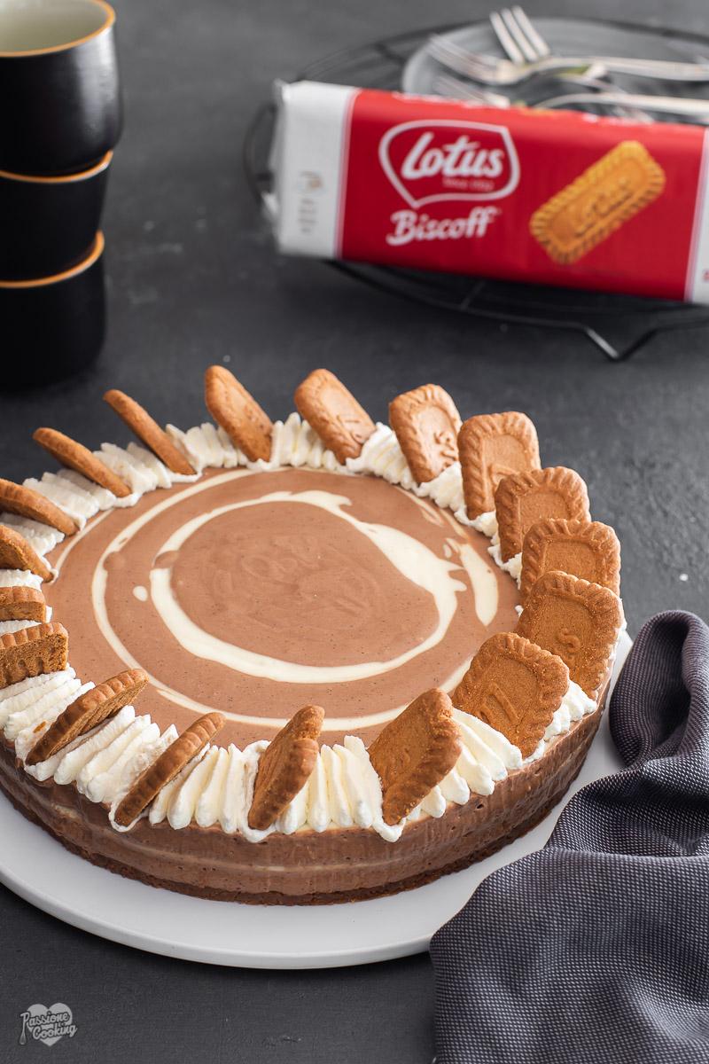 Cheesecake al caramello e caffè con biscotti Lotus