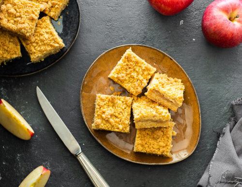 Torta crumble alle mele con farina di mais