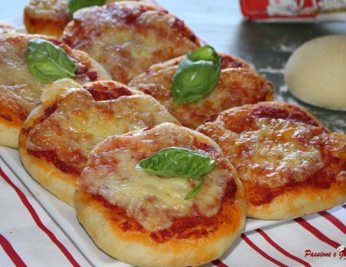 Pizzette da buffet fatte in casa, fragranti e gustose!