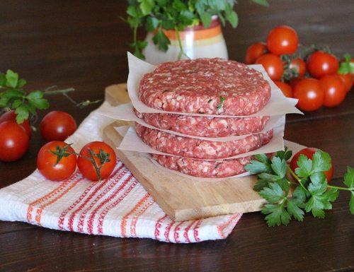 Hamburger di carne fatti in casa: saporiti e succulenti