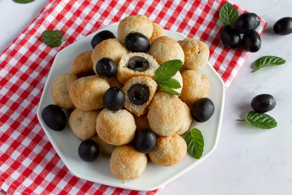 Olive nere in crosta di parmigiano passione e gusto con Mariafrancesca