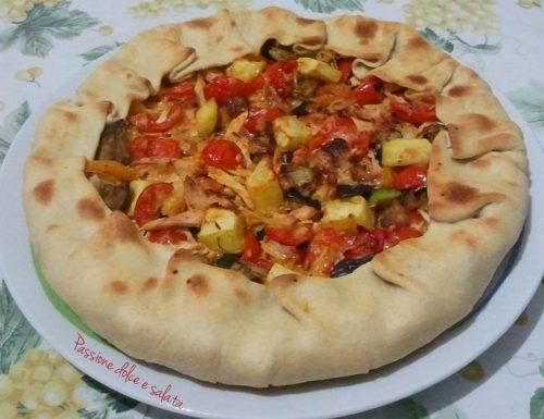 Torta salata con pollo e verdure grigliate