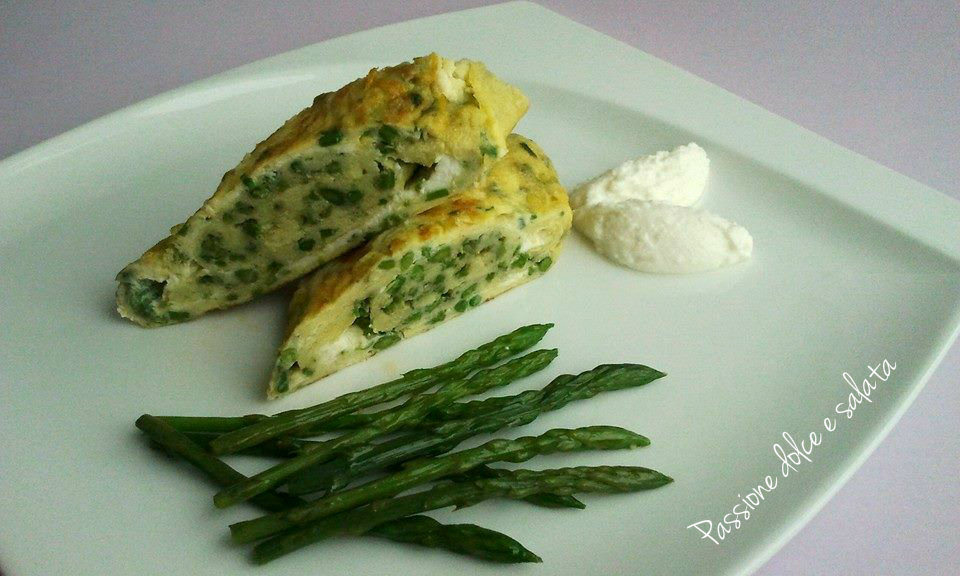 omelette sfogliata con asparagi e ricotta