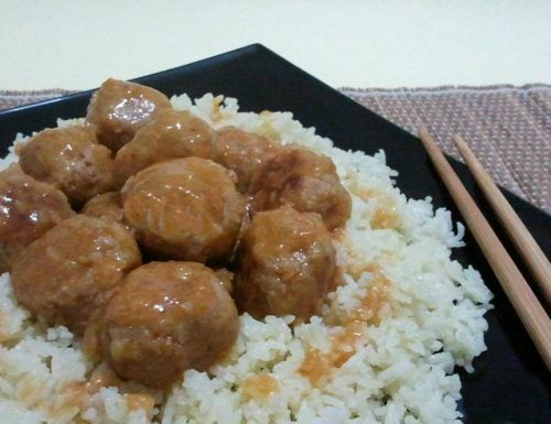 Polpette in salsa agrodolce e riso pilaf
