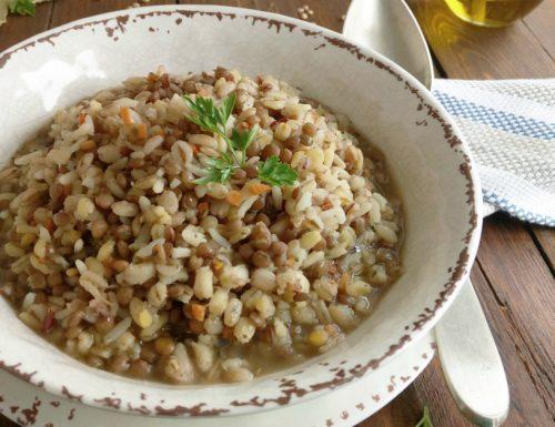 Cinque cereali con lenticchie
