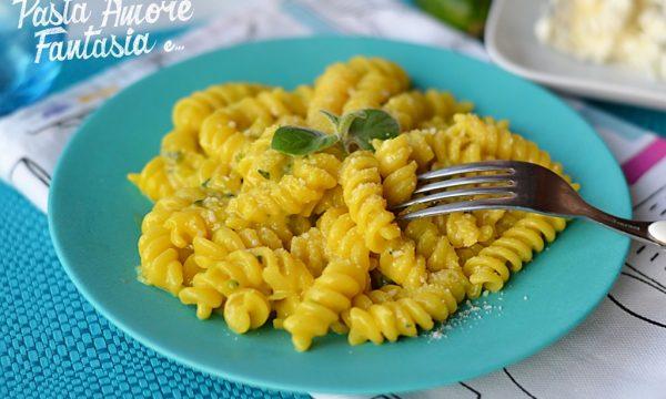 Pasta Gorgonzola, Zucchine e Zafferano, ricetta Bimby e tradizionale