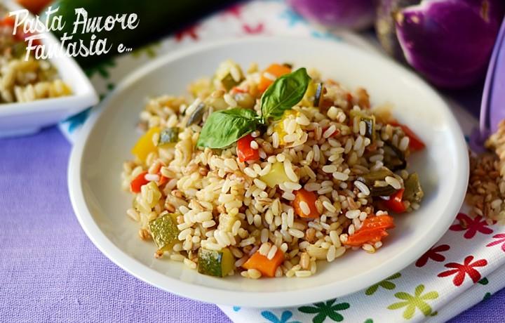 Insalata di Farro, Orzo e Riso con verdure estive, primo piatto