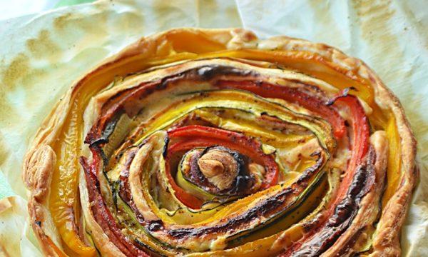 Torta Spirale con Peperoni, Zucchine e salame, torta salata