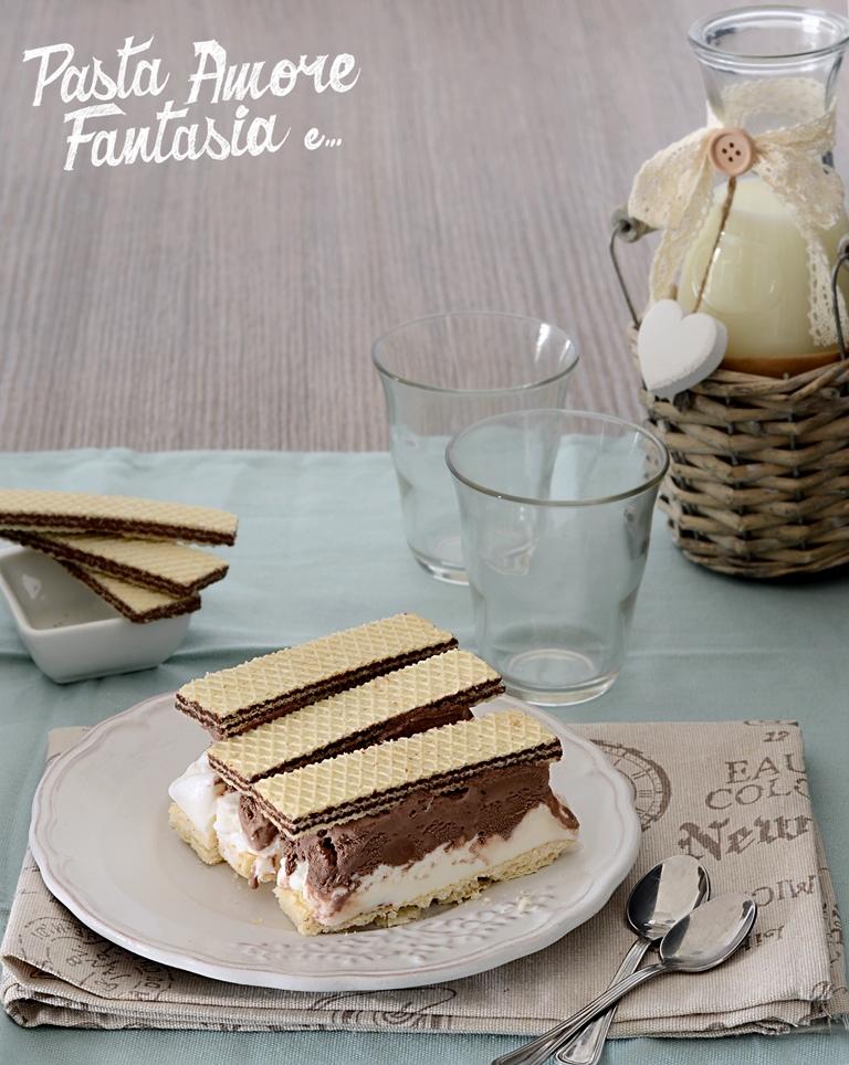 Wafers con gelato alla vaniglia e al cacao