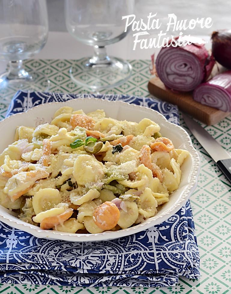 Orecchiette con Stracchino, Olive, Tonno e Cipolla Rossa