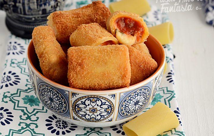 Paccheri ripieni filanti, fritti con Pomodoro e Pancetta