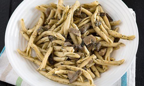 Pasta al Pesto Genovese e Funghi