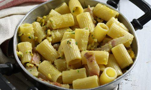 Pasta con Zucchine e Uova, con guanciale o pancetta