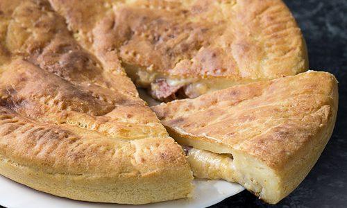 Torta Rustica con Patate, Salumi e Formaggi