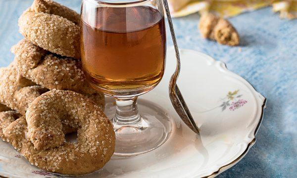 Ciambelline al Vino Bianco con Zucchero di Cocco