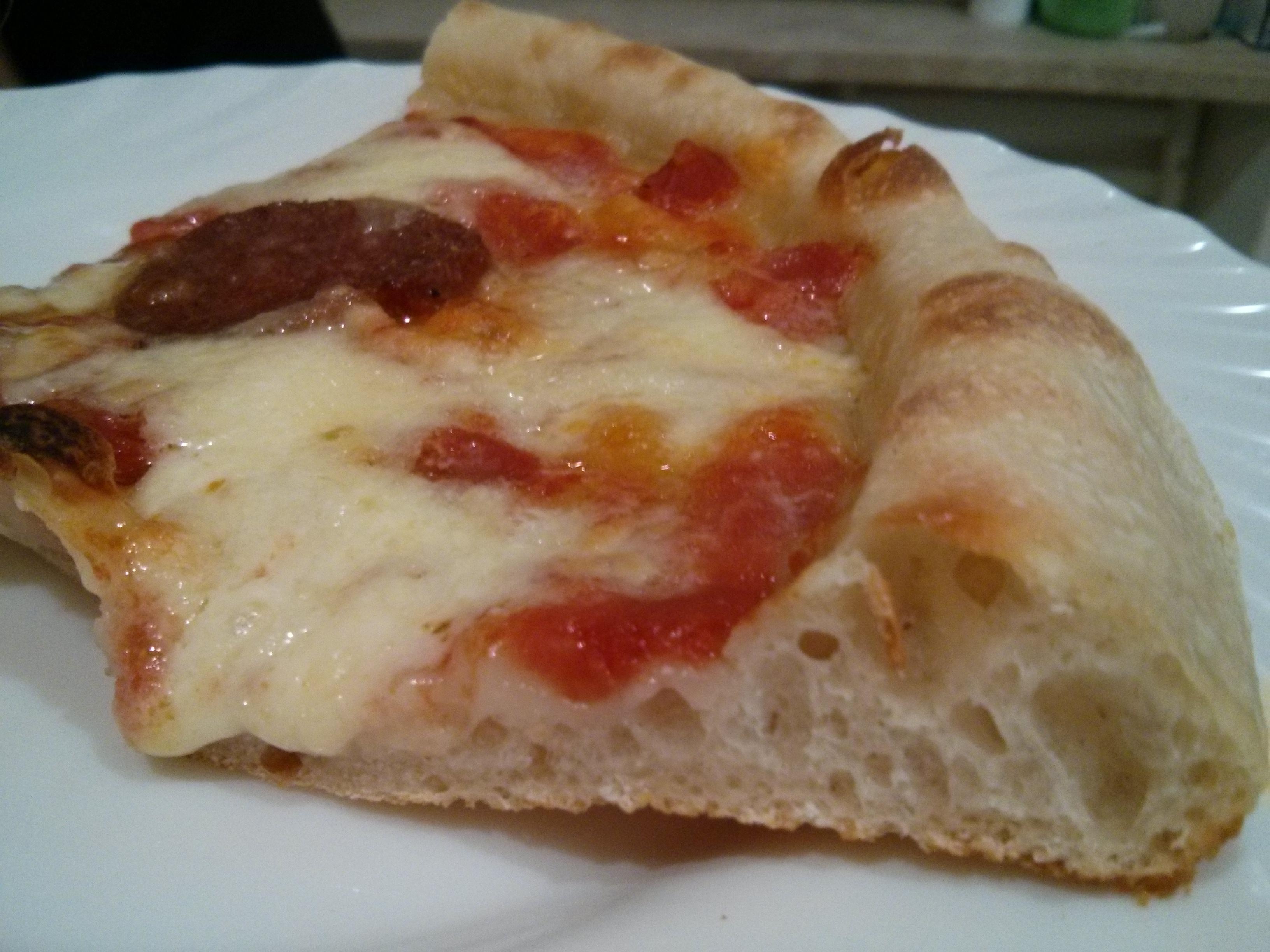 Trancio di pizza con lievito madre
