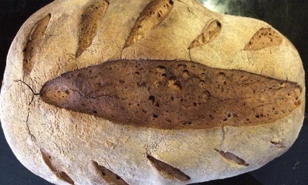 pane con farina semintegrale e lievito madre