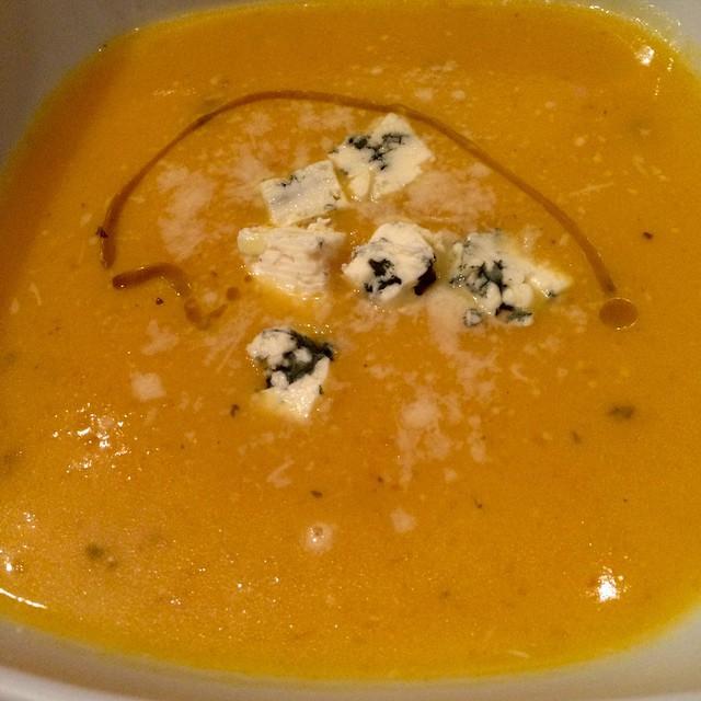 vellutata di zucca con formaggio blue cheese