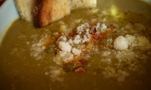 zuppa di fave e pancetta