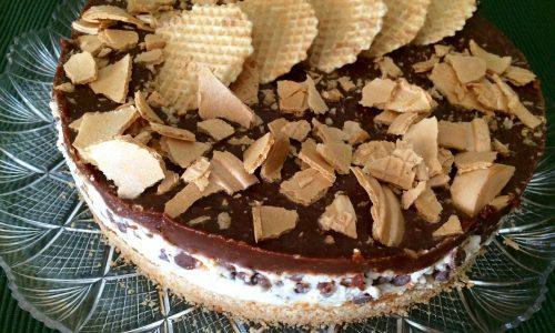 Deliziosa torta fredda Snickers