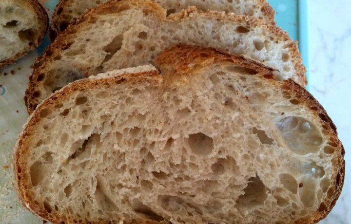 Pane base con pasta madre (la ricetta passo passo)
