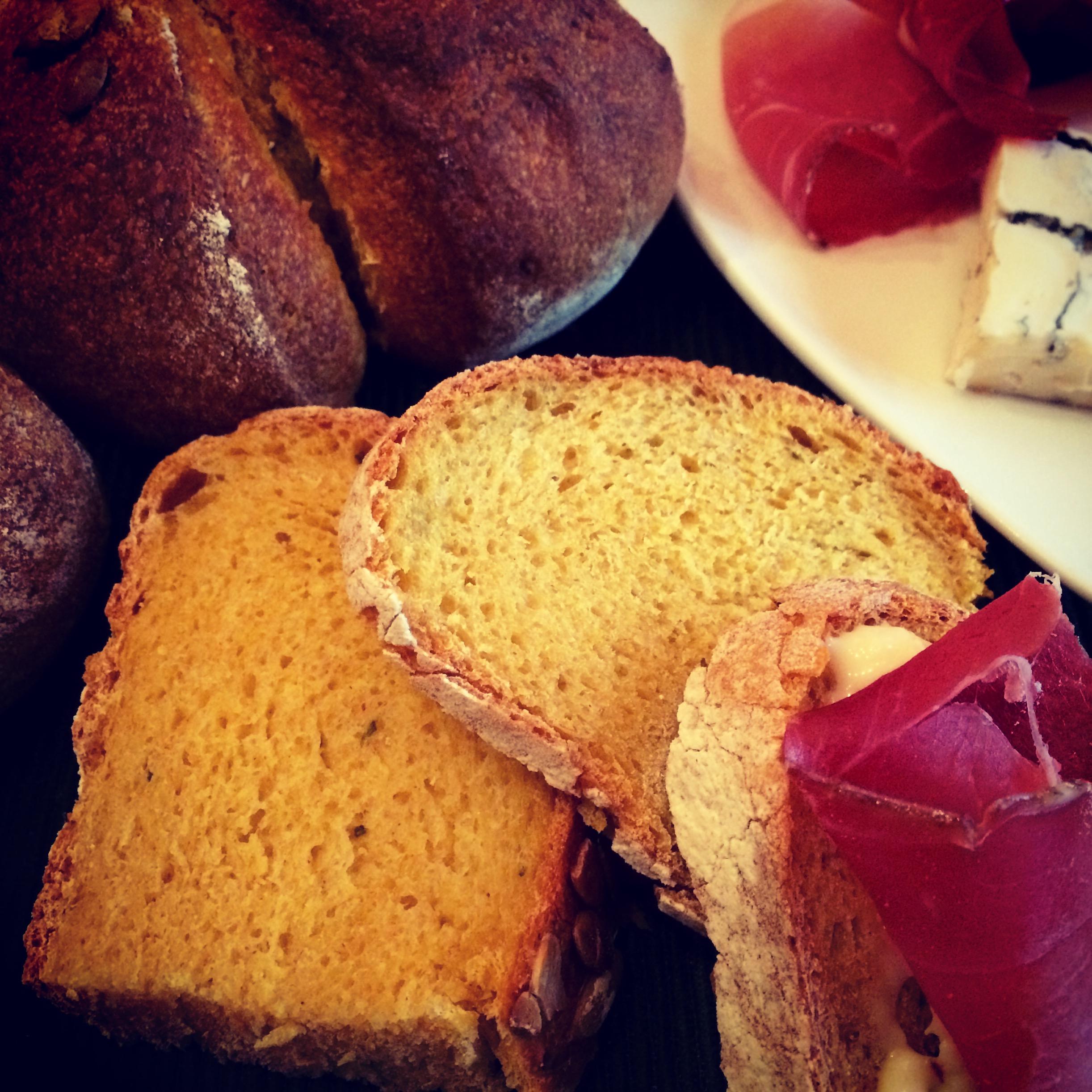 Pane zucca e rosmarino con pasta madre