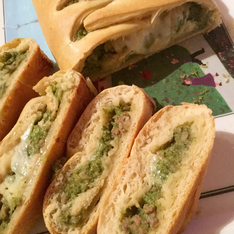 Rotolo rustico broccolo romano e salsiccia