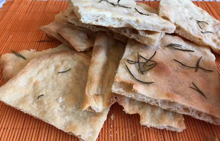 Pizza romana scrocchiarella con lievito madre