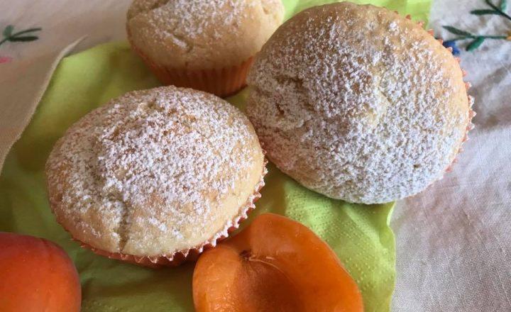 Muffin velocissimi con albicocche e cocco