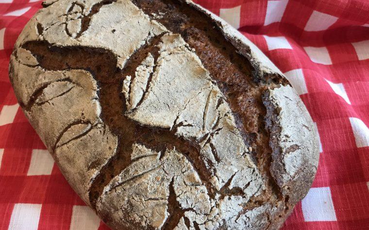 Pane con farina di segale lievito madre