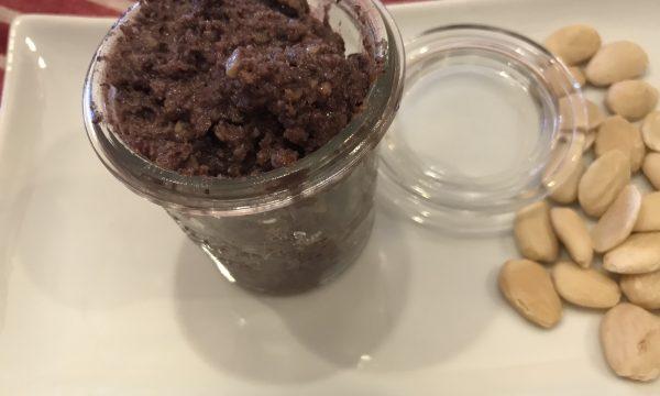 Mix di cereali al pesto di olive e mandorle
