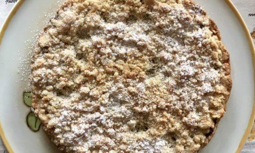 Sbriciolata con pere e cioccolato con farina di nocciole