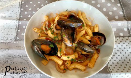 Pasta all'uovo risottata ai frutti di mare