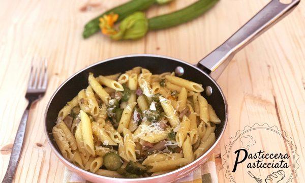 Pasta con zucchine e fave fresche